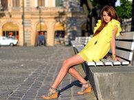 Yellow_ruffled_dress-laurachirita_thumb