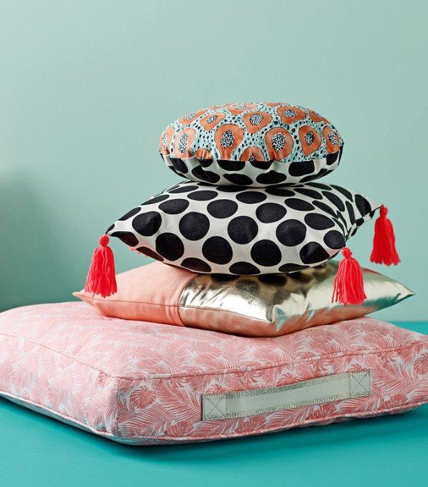 Pillow_parade_large