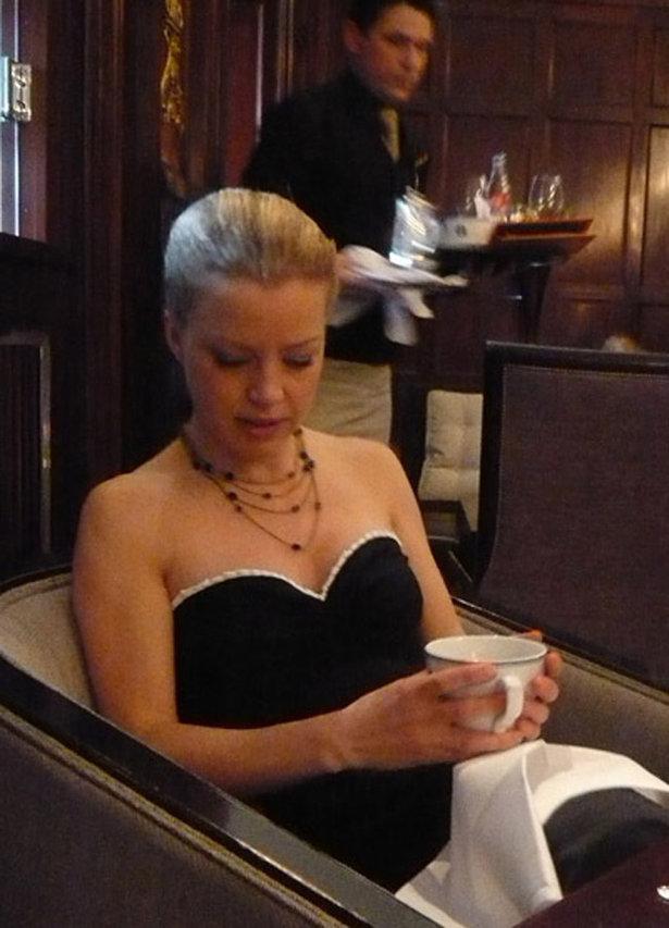 _afternoon_tea_top_-_ichigogirl_large