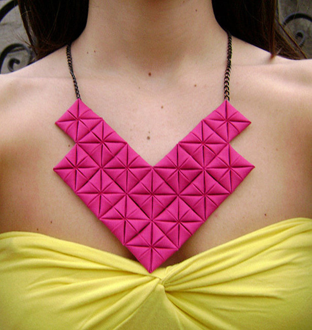 Origami_necklace_-_cam557_large