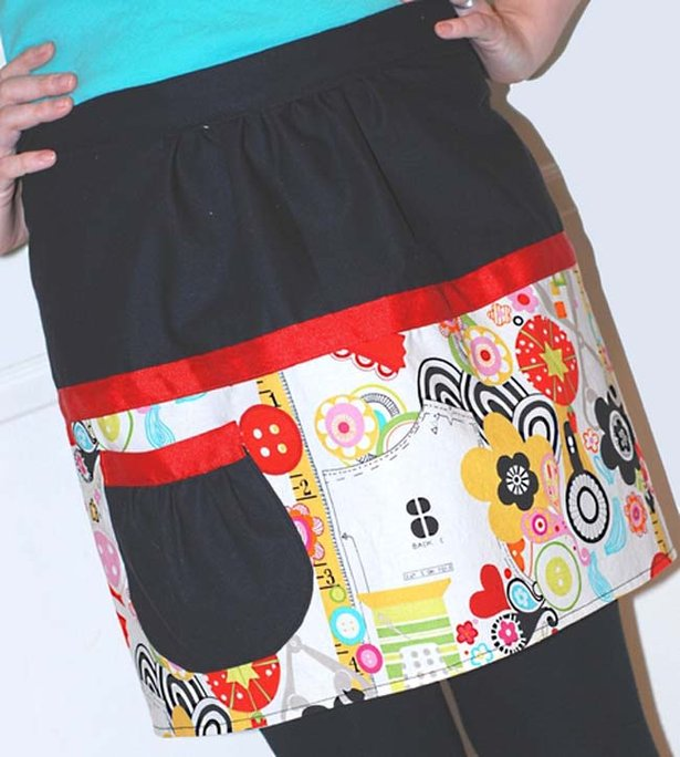 Kymy_retro_inspired_two_tone_apron_large