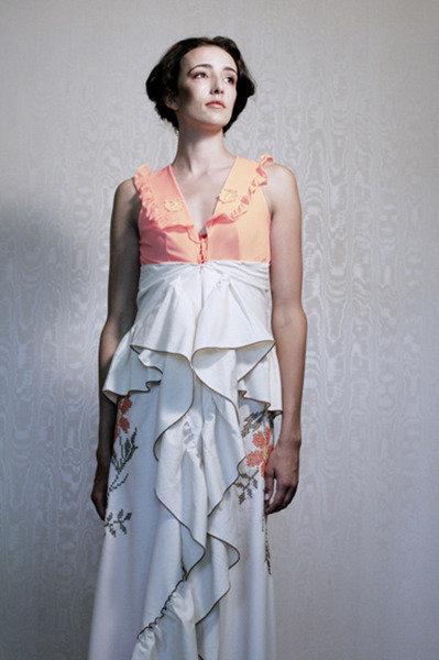Table_cloth_bustle_dress_lanni_lantto_fullscreen