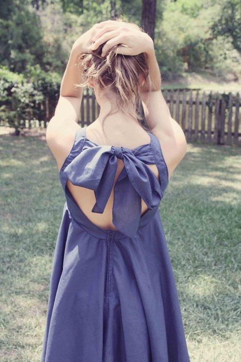Backless_bow_dress_fullscreen