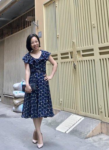 Retro_ruffled_neckline_dress_large_small_ver