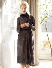 105_0813_b_crinkle_neck_dress_listing