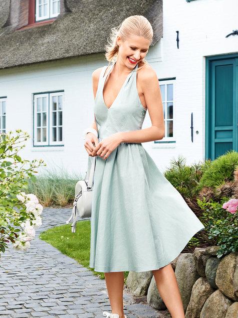 Halter Neck Dress 022017 113 Sewing Patterns Burdastyle
