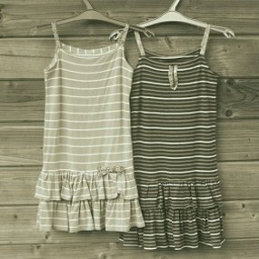 Deux-robes_carr_285_large