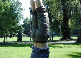 Headstand_show