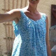 Ineke_blue_blouse_3_listing