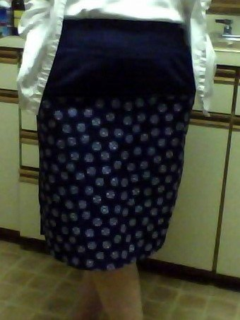 Blue_and_white_skirt_large