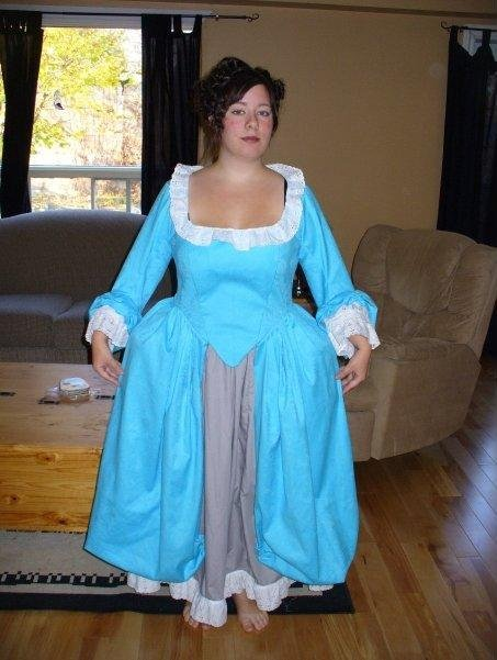 Victorian_halloween_costume_large