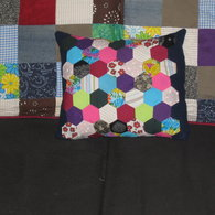 Hex_cushion_002_listing