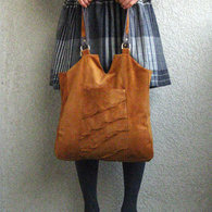 Enid_carryall_front_standing_2_listing