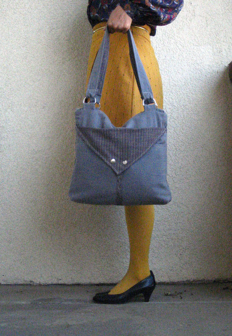 Computer_bag_front_standing_large