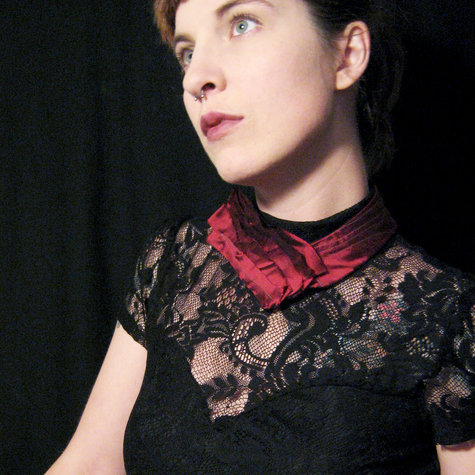 Red_neckpiece_large