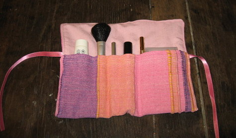 Make-up_roll_large
