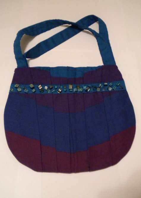 Blue_stripe_pleated_handbag_large