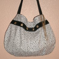 Black_and_white_star_bag_front_listing