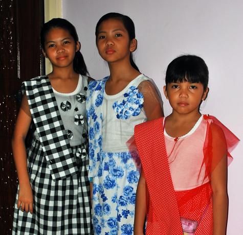 Kimona_at_patadyong_three_sisters_large