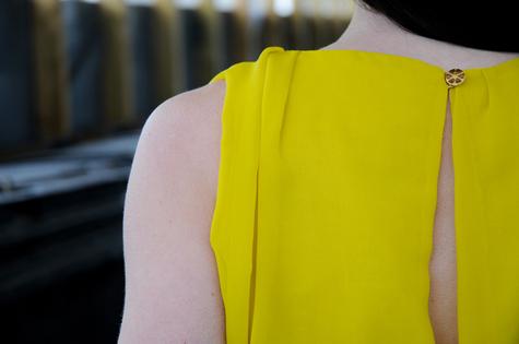 Yellow_detail_back_02_large