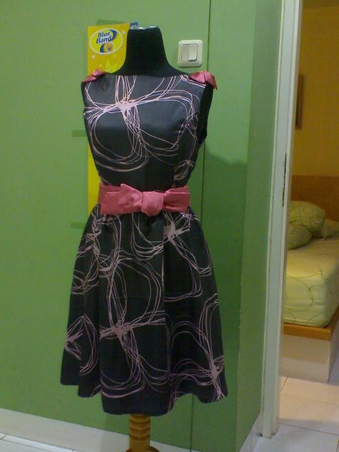 Rossy_dress_4_large