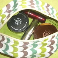 Make_up_kit_listing