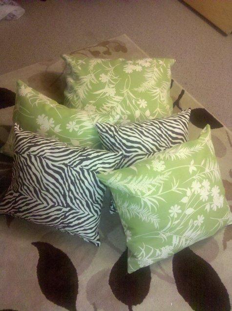 Pillowws_large