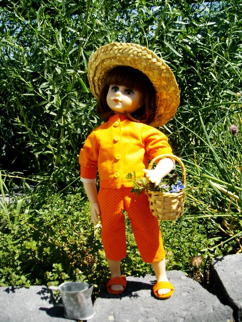 Orange_doll_003_large