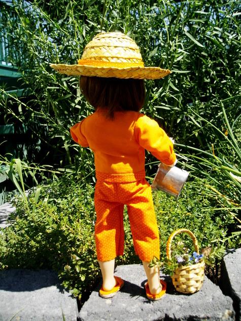 Orange_doll_007_large