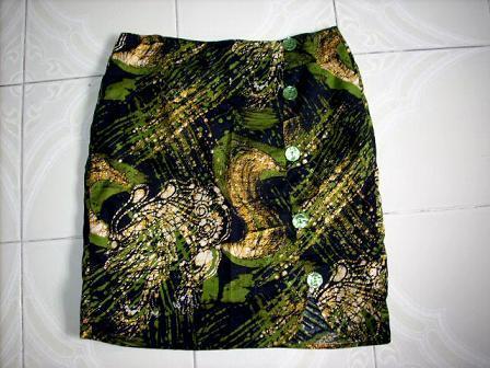 Tight_skirt_large