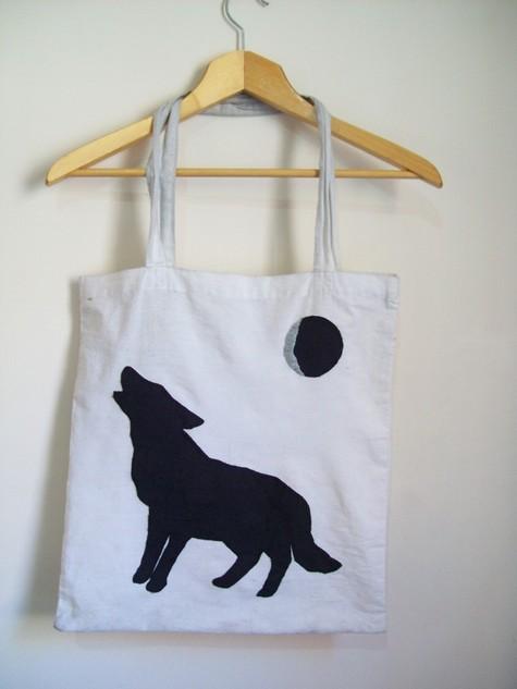 Howling_dog_0_large