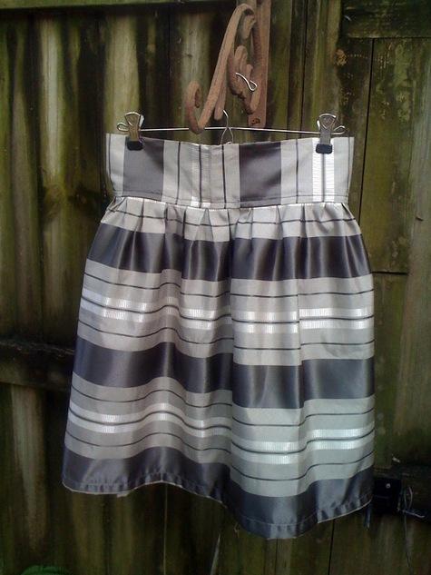Girly_skirt_-_grey_stripe_5_large