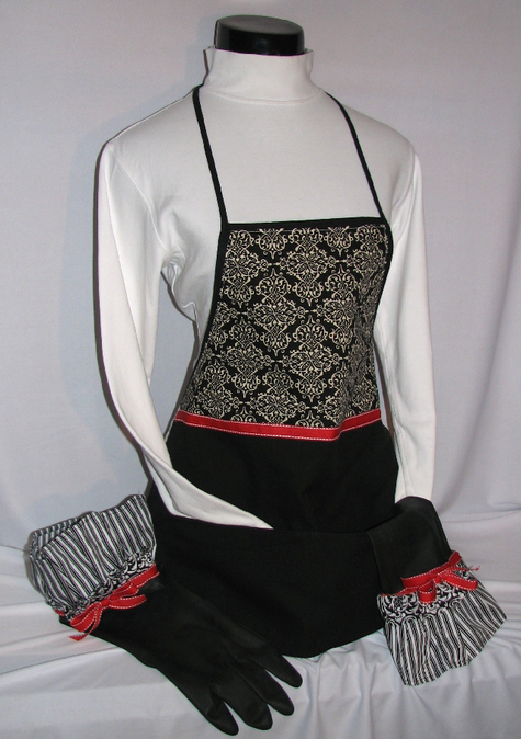 Apron_red_wht_blk_with_rubber_gloves_large