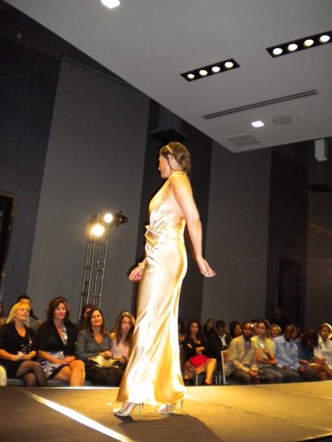 Fashion_show_355_large