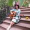 Cathy_sings_in_burda_grid