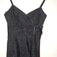 Black_top_front_listing