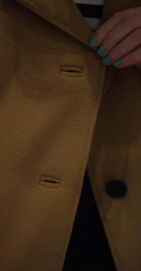 Camel_coat_buttonholes_large
