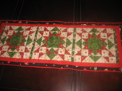 9 christmas quilted table runners sewing projects burdastylecom