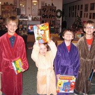 Boys_in_robes_listing