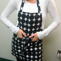 Anne_apron_front_listing