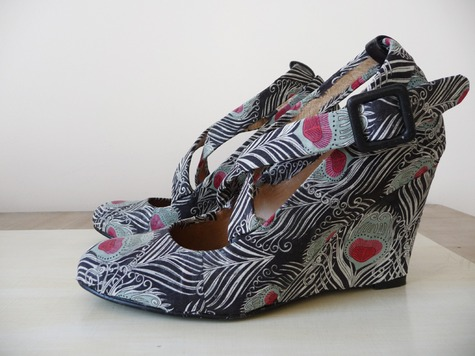 Fabric_shoes_side2_large