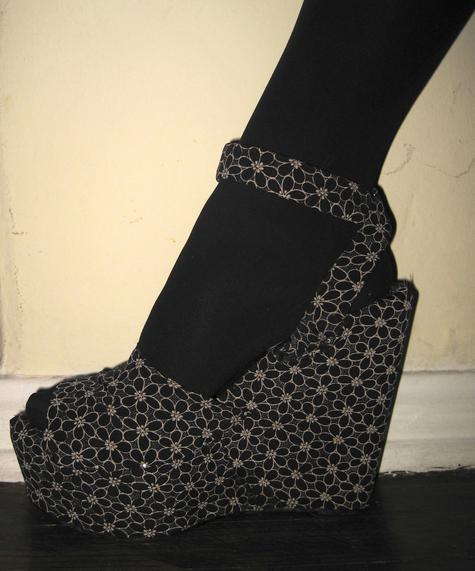 Aimg_5953_shoe_large