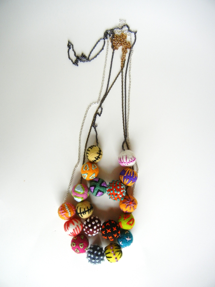 embroidered felt necklaces � sewing projects burdastylecom