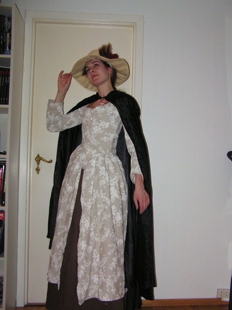 14_mars_2011_18th_century_dress_2_large