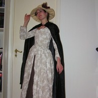 14_mars_2011_18th_century_dress_2_listing