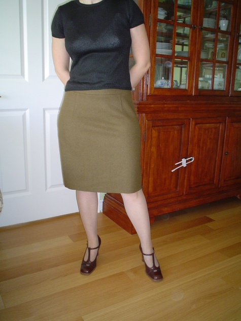 Wool_skirt-front_large