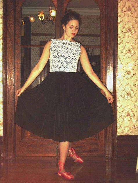 Blackwhite_lace_dress_014_large
