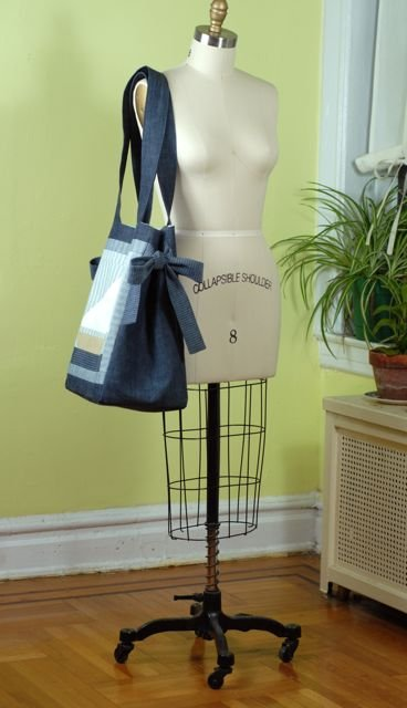 Tote_side_11_large