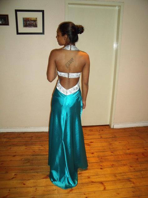2010_1015jassica_long_dress0014_large