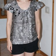Black_and_white_tunic1_listing